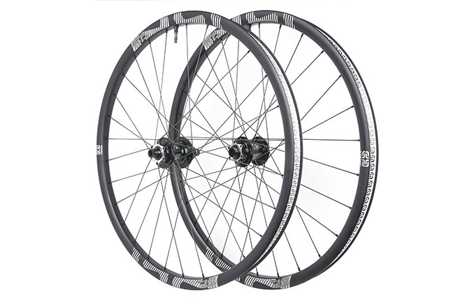 E13 LG1 RACE ENDURO CARBON WHEELSET 29""